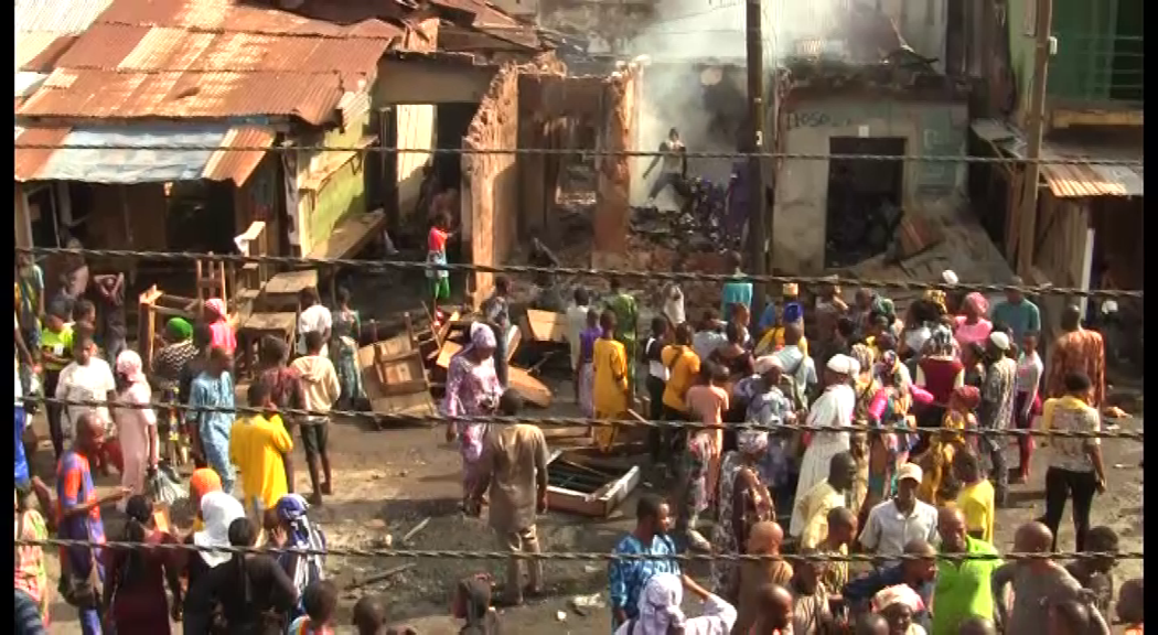 Hoodlums Loot Agbeni Market, Set Shops on Fire