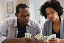 Photo of Lady Who Collects 120k Monthly Allowance from Boyfriend Demands They Open Joint Account
